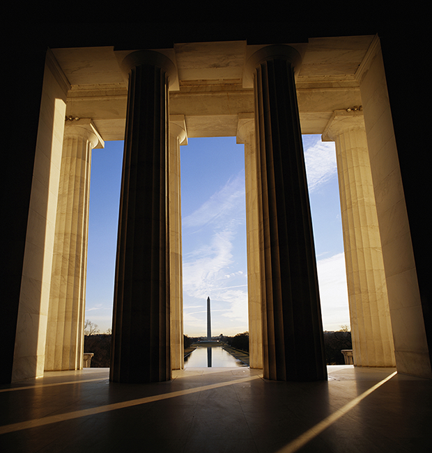 View from Lincoln Memorial to Washington Monument
